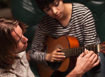 service-guitar-lesson