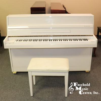 Samick SU 105 upright piano